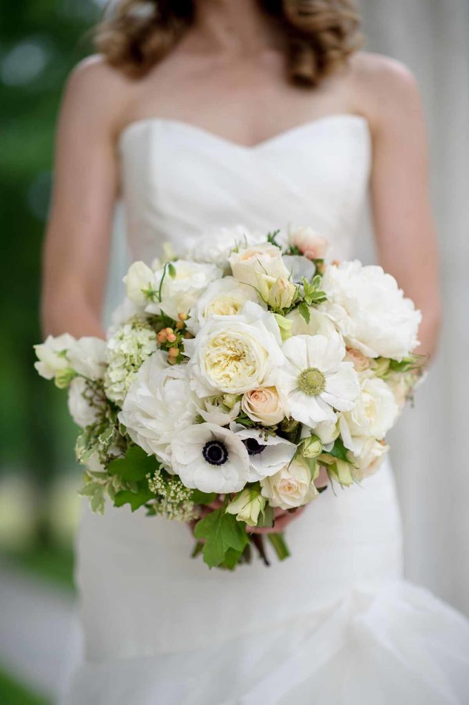 An all white bridal bouquet