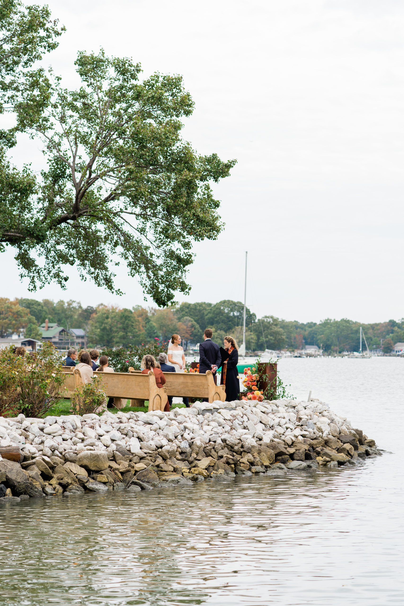waterfront ceremony - Waterfront Wedding Southern Maryland Bellwether Events Kurstin Roe Photography Sugarplum Tent Co